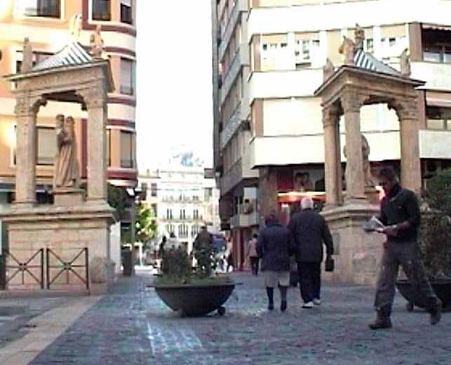 El paso de peatones de los casalicios es una aut ntica barrera arquitect nica en el centro de - Librerias en alzira ...