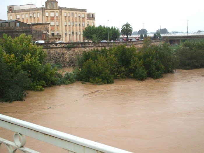 Fotos del r o j car durante el temporal de lluvias de hoy en alzira - Librerias en alzira ...