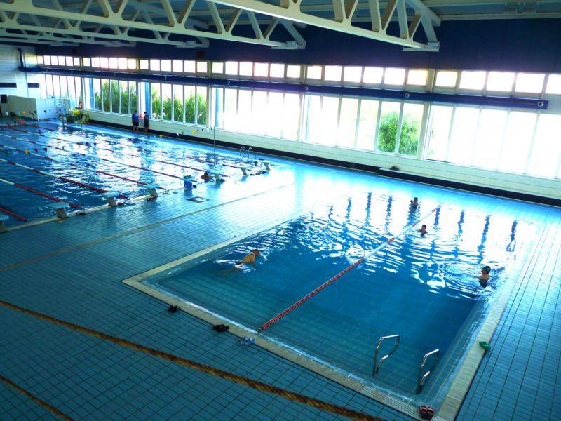 Ven a ponerte en forma en la piscina cubierta municipal de for Piscina municipal cubierta