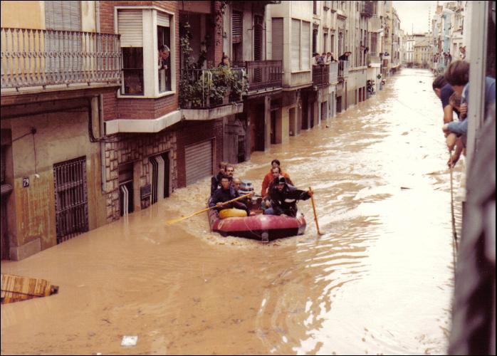 El 20 de octubre de 1982 no se borrar nunca de la memoria colectiva de un pueblo alzira - Librerias en alzira ...
