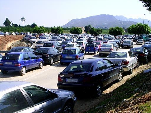 Seg n fuentes sindicales la situaci n del parking del hospital de la ribera en alzira es - Librerias en alzira ...